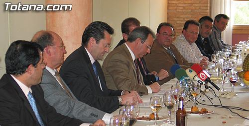 La Federación Regional de Empresarios de la Construcción de la Región de Murcia (FRECOM) y  la Asociación de Empresarios de la Construcción del Bajo Guadalentin (AEMCO) firmaron un convenio de colaboración, Foto 3
