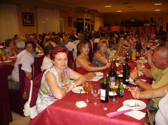 MÁS DE 400 PERSONAS ASISTEN A LA CENA-GALA DE CLAUSURA DE LAS ACTIVIDADES QUE SE DESARROLLAN EN EL CENTRO MUNICIPAL DE LAS PERSONAS MAYORES, Foto 4
