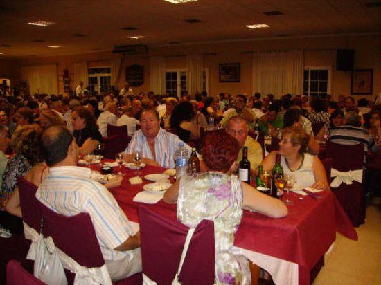 MÁS DE 400 PERSONAS ASISTEN A LA CENA-GALA DE CLAUSURA DE LAS ACTIVIDADES QUE SE DESARROLLAN EN EL CENTRO MUNICIPAL DE LAS PERSONAS MAYORES, Foto 5