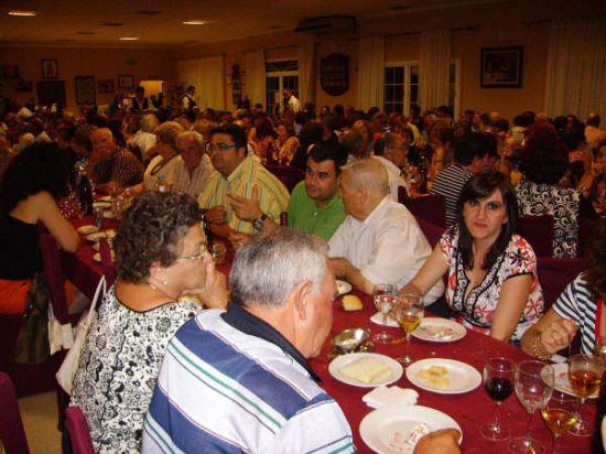 MÁS DE 400 PERSONAS ASISTEN A LA CENA-GALA DE CLAUSURA DE LAS ACTIVIDADES QUE SE DESARROLLAN EN EL CENTRO MUNICIPAL DE LAS PERSONAS MAYORES, Foto 6