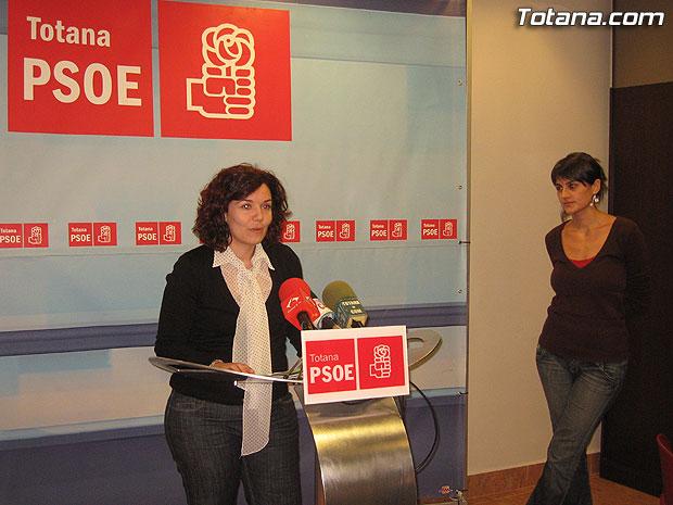 EL PSOE ACUSA AL PP DE INEPTITUD Y DEJADEZ EN MATERIA DE VIVIENDA, Foto 1