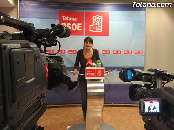 EL PSOE ACUSA AL PP DE INEPTITUD Y DEJADEZ EN MATERIA DE VIVIENDA, Foto 2