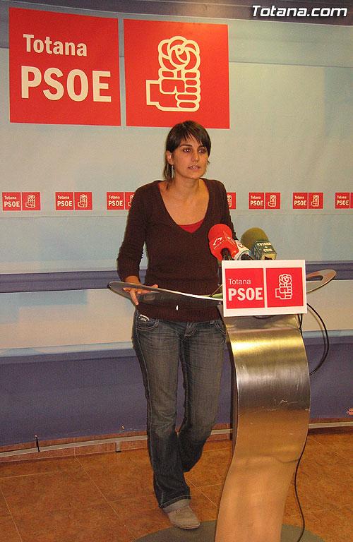 EL PSOE ACUSA AL PP DE INEPTITUD Y DEJADEZ EN MATERIA DE VIVIENDA, Foto 3