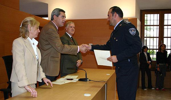 Un total de 24 policías locales promocionan como Cabos, Sargentos y Oficiales en sus Ayuntamientos, 3 de ellos cabos de Totana, Foto 4