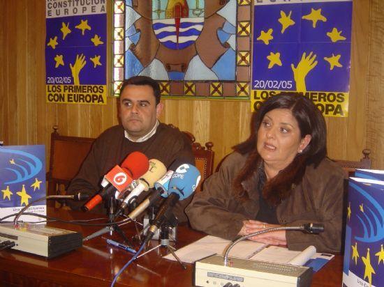 AYUNTAMIENTO PROMUEVE CAMPAÑA INSTITUCIONAL PARA INFORMAR CIUDADANOS SOBRE REFERÉNDUM CONSTITUCIÓN EUROPEA 20-F, Foto 1