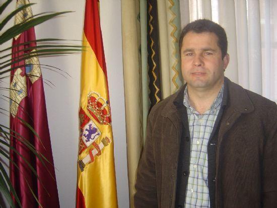 CONCEJALÍA DE COMERCIO COLOCA NUEVO MOBILIARIO URBANO EN CINCO CALLES Y PLAZAS DEL CASCO URBANO , Foto 2