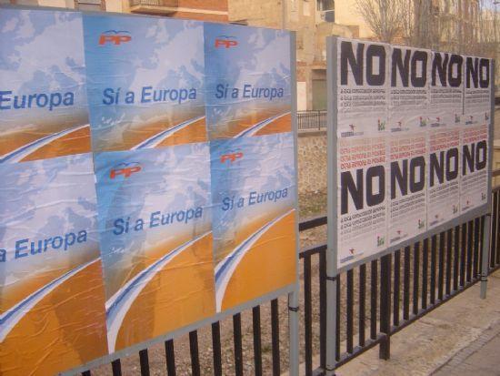 LOS PARTIDOS POLÍTICOS ARRANCAN LA CAMPAÑA EN TOTANA SOBRE EL REFERÉNDUM DE LA CONSTITUCIÓN EUROPEA   , Foto 1
