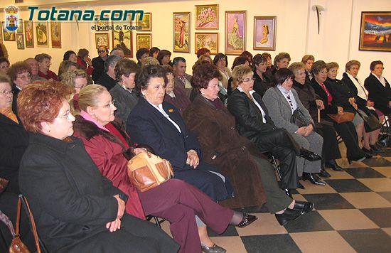 Un centenar de mujeres inician el programa de actividades de Igualdad de Oportunidades en Totana, Foto 3