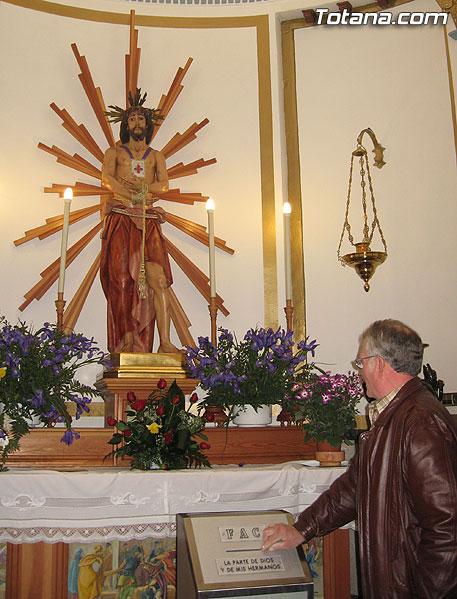 Numerosos vecinos mostraron su devoción al Cristo de Medinacelli (2006), Foto 3