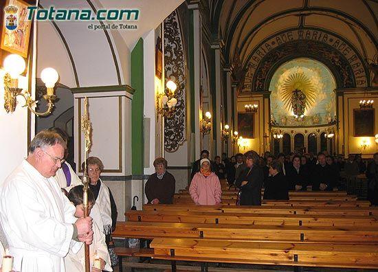 Numerosos vecinos mostraron su devoci�n al Cristo de Medinacelli (2005), Foto 4