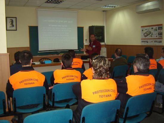 PROTECCIÓN CIVIL REALIZÓ 87 INTERVENCIONES EN SERVICIOS A LA CIUDAD Y ATENDIÓ 66 EMERGENCIAS DURANTE EL AÑO 2006, Foto 1