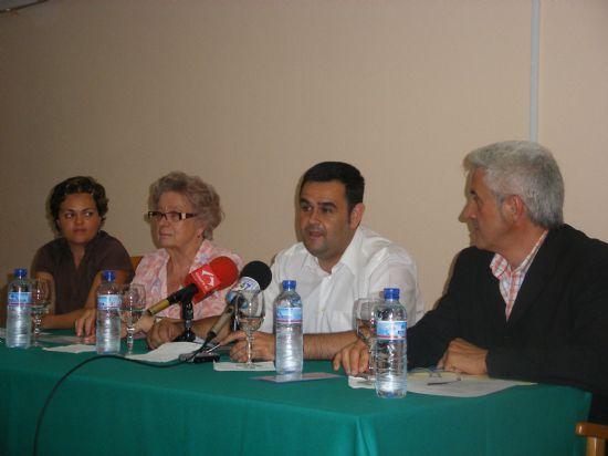 """EL CURSO DE """"CUIDADOS INTEGRALES EN LAS PERSONAS MAYORES DEPENDIENTES"""", ORGANIZADO POR SALUS INFIRMORUM, SE CLAUSURA CON LA PARTICIPACIÓN DE CASI MEDIO CENTENAR DE PERSONAS ANTE LA PRESENCIA DEL ALCALDE, Foto 2"""
