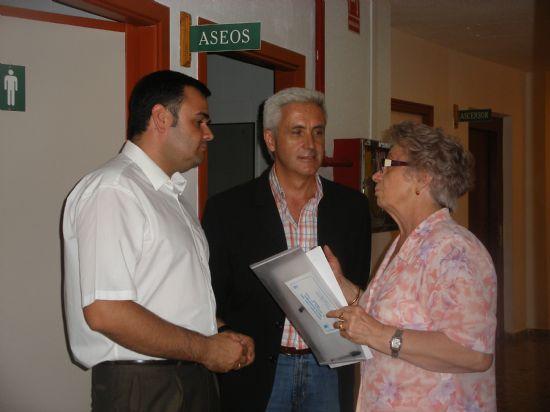 """EL CURSO DE """"CUIDADOS INTEGRALES EN LAS PERSONAS MAYORES DEPENDIENTES"""", ORGANIZADO POR SALUS INFIRMORUM, SE CLAUSURA CON LA PARTICIPACIÓN DE CASI MEDIO CENTENAR DE PERSONAS ANTE LA PRESENCIA DEL ALCALDE, Foto 3"""