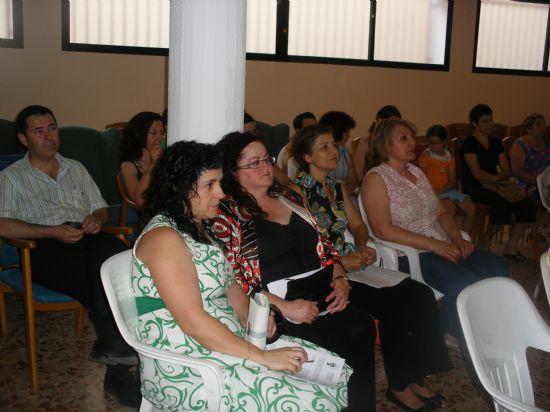 """EL CURSO DE """"CUIDADOS INTEGRALES EN LAS PERSONAS MAYORES DEPENDIENTES"""", ORGANIZADO POR SALUS INFIRMORUM, SE CLAUSURA CON LA PARTICIPACIÓN DE CASI MEDIO CENTENAR DE PERSONAS ANTE LA PRESENCIA DEL ALCALDE, Foto 4"""
