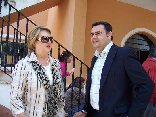 """EL ALCALDE DE TOTANA Y LA DIRECTORA GENERAL DE PERSONAS CON DISCAPACIDAD CLAUSURAN LA XXXII ASAMBLEA GENERAL DE LA ASOCIACIÓN REGIONAL MURCIANA DE HEMOFILIA EN """"LA CHARCA"""" (2008), Foto 2"""