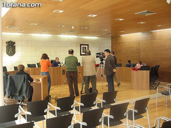 SUSCRIBEN UN CONVENIO PARA APROVECHAR PARA RIEGO EL AGUA DE LAS PISCINAS, Foto 2