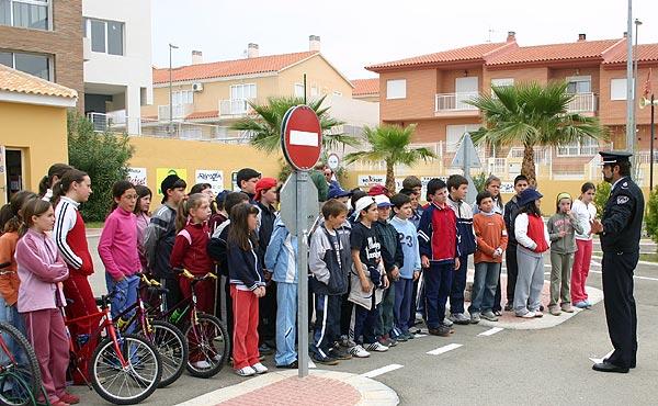 COLEGIO DE MARIA Y DELEGACION MUNICIPAL DE VELEZ RUBIO, AMBOS DE LA VECINA PROVINCIA DE ALMERIA, VISITAN EL PARQUE DE EDUCACION VIAL, Foto 1