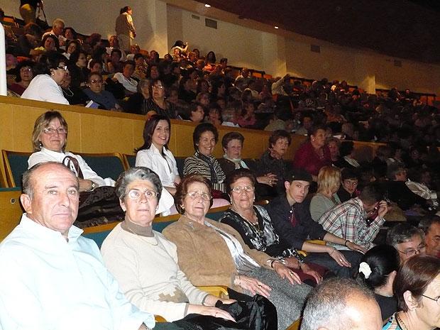 UN TOTAL DE 55 PERSONAS ASISTEN GRATUITAMENTE AL CONCIERTO DE DIANA NAVARRO, CON EL AUTOB�S FLETADO POR LA CONCEJAL�A DE MUJER E IGUALDAD DE OPORTUNIDADES (2008), Foto 1