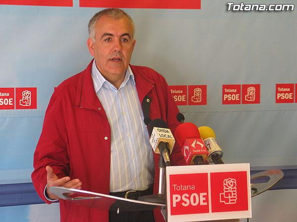 EL PSOE DENUNCIA QUE HAY TRABAJADORES EN EL AYUNTAMIENTO SIN DAR DE ALTA EN LA SEGURIDAD SOCIAL, Foto 1