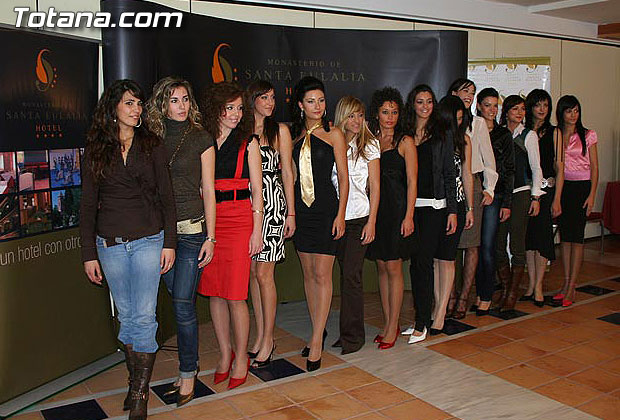 LAS CANDIDATAS A LA CORONA DE MISS MURCIA 2006 ESTUVIERON EN EL HOTEL DE LA SANTA, EN TOTANA, Foto 1