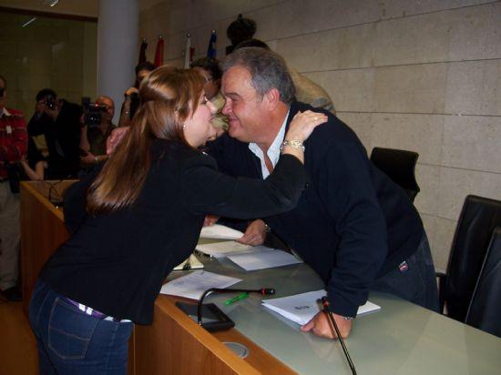 TOMAN POSESI�N DE SU CARGO LOS MIEMBROS DE LA JUNTA VECINAL DE EL PARET�N, Y LAS CUATRO MUJERES Y CUATRO HOMBRES, QUE OSTENTAR�N EL CARGO DE ALCALDE PED�NEO, DURANTE ESTA LEGISLATURA (2008), Foto 7