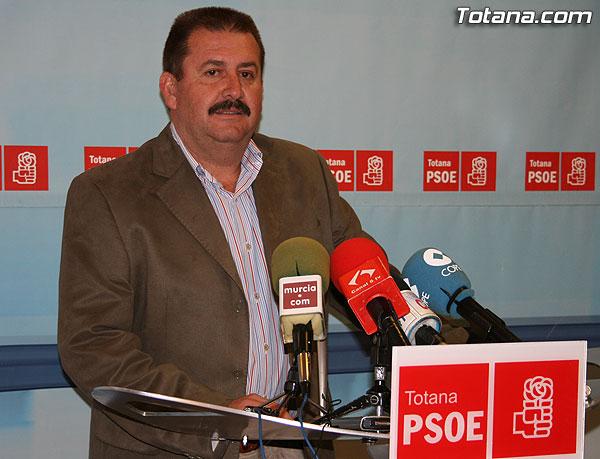 """EL PSOE ASEGURA QUE """"VALCÁRCEL TIENE QUE TOMAR CARTAS EN EL ASUNTO Y OBLIGAR A DIMITIR AL ALCALDE, A JUAN MORALES Y A LOS CONCEJALES QUE ESTABAN CON ÉL, EN LA JUNTA DE GOBIERNO DE LA ANTERIOR LEGISLATURA"""", Foto 1"""