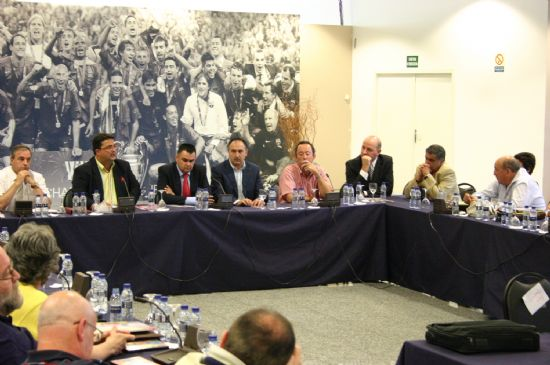 TOTANA CONOCERÁ EL PRÓXIMO MES DE OCTUBRE EL RESULTADO DE SU CANDIDATURA COMO SEDE DE LA TROBADA MUNDIAL DE PEÑAS DEL F.C. BARCELONA 2008, Foto 4