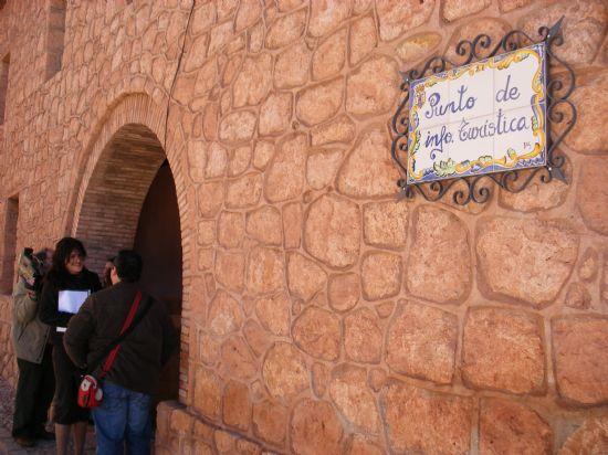 INAUGURADO EL NUEVO PUNTO DE INFORMACIÓN TURÍSTICA DEL SANTUARIO DE LA SANTA Y SIERRA ESPUÑA, Foto 2