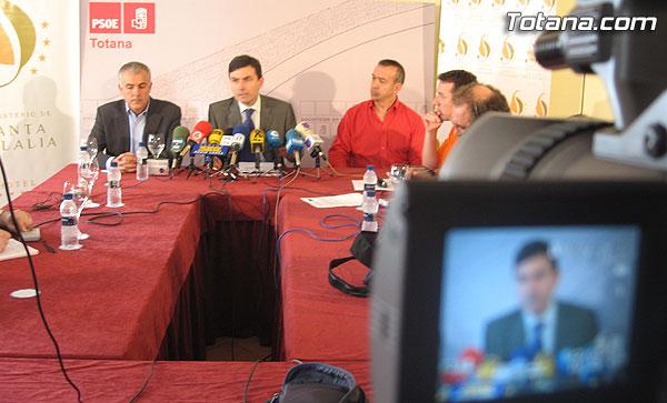 ENCUENTRO-DESAYUNO DE PEDRO SAURA (SECRETARIO GENERAL DEL PSRM-PSOE Y DIPUTADO EN EL CONGRESO) CON LOS MEDIOS DE COMUNICACI�N, Foto 2