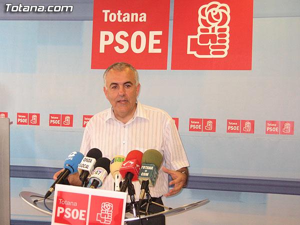 ALFONSO MARTÍNEZ BAÑOS OFRECIÓ UNA RUEDA DE PRENSA PARA ANUNCIAR SU DESPEDIDA COMO CONCEJAL, Foto 1