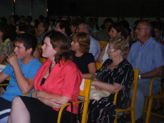 """EL ESTRENO EN CASTELLANO DE LA OBRA DE TEATRO """"CUANDO VOLVER NO EXISTE"""" CONGREGÓ A CERCA DE CUATROCIENTAS PERSONAS EN EL AUDITORIO DEL PARQUE MUNICIPAL """"MARCOS ORTIZ"""", Foto 4"""