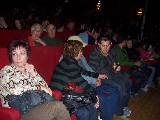 """MÁS DE 700 ESPECTADORES ASISTEN A LA PUESTA EN ESCENA DE LA OBRA CÓMICA """"DESNUDOS EN LA COCINA"""" QUE HA TEBNIDO LUGAR ESTE FIN DE SEMANA EN EL CINE VELASCO (2007), Foto 4"""