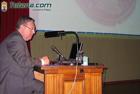 El director de Museo Nacional de Arte Romano de M�rida pronuncia conferencia magistral sobre la figura de Santa Eulalia de M�rida, Foto 2