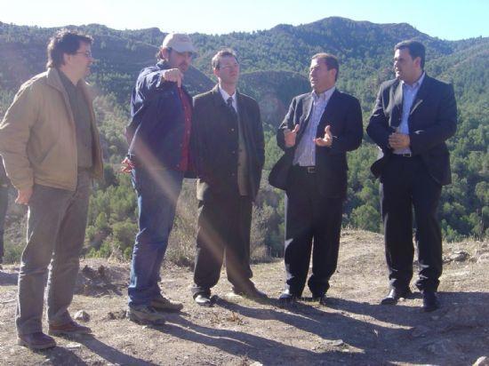 ALCALDE Y DIRECTOR GENERAL DE CULTURA VISITAN OBRAS ADECUACIÓN YACIMIENTO ARGÁRICO DE LA BASTIDA   , Foto 1