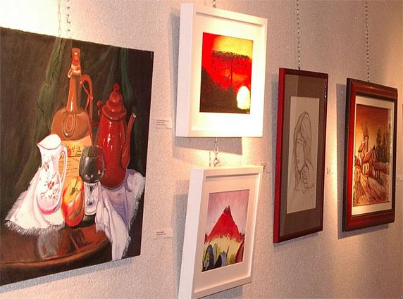 Fotografías, Esculturas y pinturas de jóvenes de la región se dan cita en la II Muestra Regional Jóvenes Artistas, Foto 1