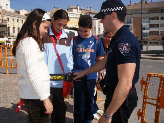MÁS DE 400 ESCOLARES PARTICIPAN EN LA JORNADA DE PUERTAS ABIERTAS DE LA POLICÍA LOCAL DE TOTANA CELEBRADA CON MOTIVO DEL DÍA DE SU PATRÓN SAN PATRICIO, Foto 2