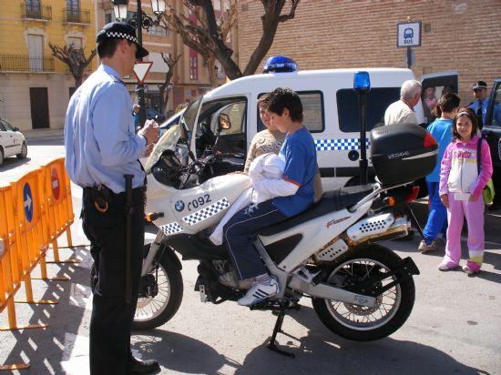 MÁS DE 400 ESCOLARES PARTICIPAN EN LA JORNADA DE PUERTAS ABIERTAS DE LA POLICÍA LOCAL DE TOTANA CELEBRADA CON MOTIVO DEL DÍA DE SU PATRÓN SAN PATRICIO, Foto 5