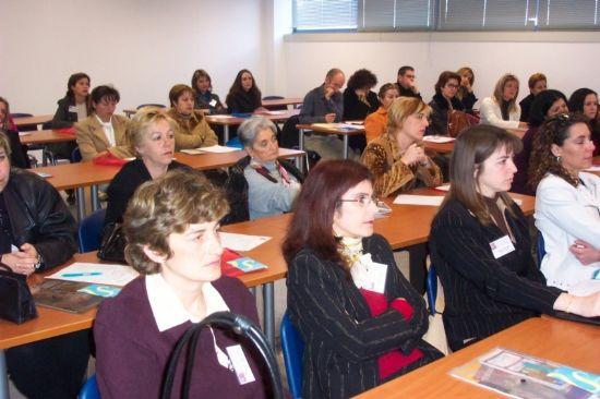 LA CONCEJALÍA DE FOMENTO Y EMPLEO INFORMA DE LA CONVOCATORIA DE SUBVENCIONES AL EMPLEO EMPRENDER EN FEMENINO, Foto 2
