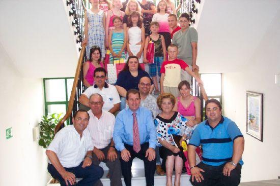 AUTORIDADES MUNICIPALES REALIZAN UNA RECEPCIÓN INSTITUCIONAL A FAMILIAS TOTANERAS DE ACOGIDA A NIÑOS BIELORRUSOS   , Foto 1
