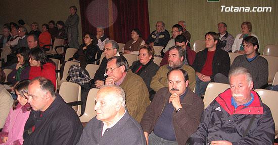 """EL ALCALDE Y LA CONCEJAL DE CULTURA PRESENTAN EL LIBRO GANADOR DEL VI PREMIO DE INVESTIGACIÓN HISTÓRICA """"ALPORCHÓN"""" QUE VERSA SOBRE LA TRADICIÓN HISTÓRICA DE LA ARTESANÍA LOCAL   , Foto 5"""