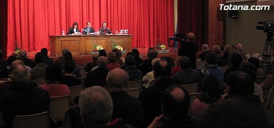 """EL ALCALDE Y LA CONCEJAL DE CULTURA PRESENTAN EL LIBRO GANADOR DEL VI PREMIO DE INVESTIGACIÓN HISTÓRICA """"ALPORCHÓN"""" QUE VERSA SOBRE LA TRADICIÓN HISTÓRICA DE LA ARTESANÍA LOCAL   , Foto 9"""