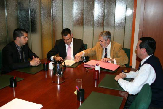 EL AYUNTAMIENTO DE TOTANA SUSCRIBE UN CONVENIO CON EL MINISTERIO DEL INTERIOR PARA INICIAR LA CONSTRUCCI�N DEL EDIFICIO QUE ALBERGAR� LA NUEVA CASA CUARTEL DE LA GUARDIA CIVIL EN LA YESERA (2008), Foto 1