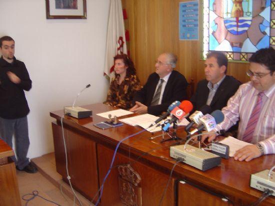 CONCEJAL�A SERVICIOS AL CIUDADANO RENUEVA SERVICIO MUNICIPAL DE INT�RPRETE DE LENGUAJE DE SIGNOS PARA PERSONAS SORDAS , Foto 1
