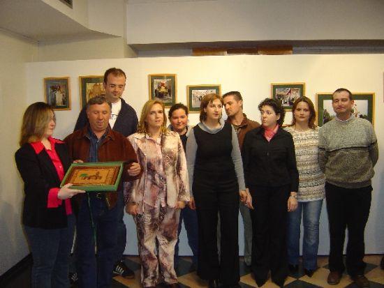 Numerosas personas asisten fin de semana exposición fotográfica conmemorativa del Año Jubilar Eulaliense, Foto 1