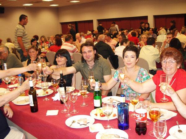 150 PERSONAS ASISTEN A UNA CENA PARA RECAUDAR FONDOS DE LA CAMPAÑA DE IU + LOS VERDES EN TOTANA, Foto 1