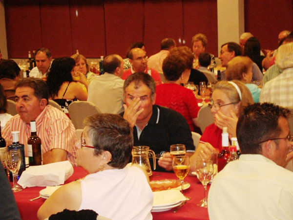 150 PERSONAS ASISTEN A UNA CENA PARA RECAUDAR FONDOS DE LA CAMPAÑA DE IU + LOS VERDES EN TOTANA, Foto 2