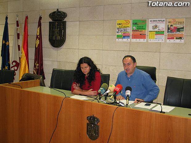 """LAS ACTIVIDADES DEPORTIVAS PRESENTADAS BAJO EL TÍTULO """"HAZ DEPORTE HAZ SALUD"""" ORGANIZADAS CON MOTIVO DE LAS FIESTAS DE SANTA EULALIA ARRANCAN EL DOMINGO CON EL """"DÍA DE LA BICILETA"""" (2007), Foto 2"""