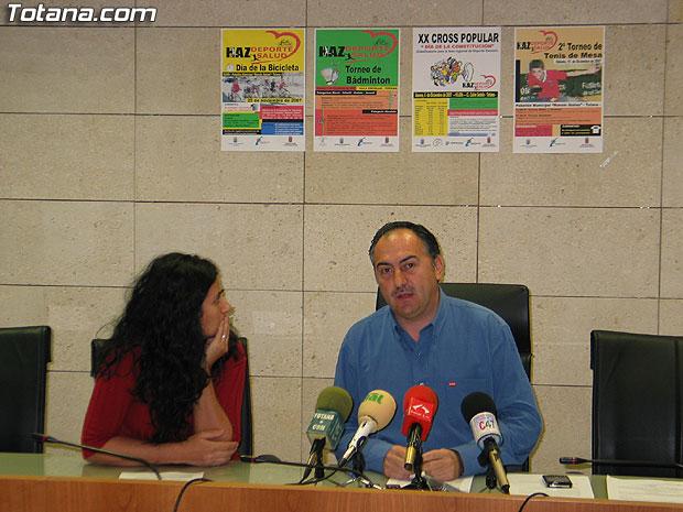 """LAS ACTIVIDADES DEPORTIVAS PRESENTADAS BAJO EL TÍTULO """"HAZ DEPORTE HAZ SALUD"""" ORGANIZADAS CON MOTIVO DE LAS FIESTAS DE SANTA EULALIA ARRANCAN EL DOMINGO CON EL """"DÍA DE LA BICILETA"""" (2007), Foto 3"""