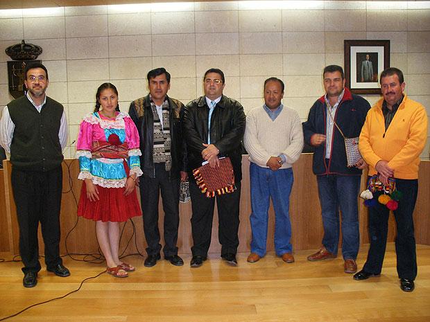 AUTORIDADES LOCALES OFRECEN UNA RECEPCI�N INSTITUCIONAL PARA PROMOVER UN HERMANAMIENTO CON LA CIUDAD BOLIVIANA DE UNC�A, Foto 1