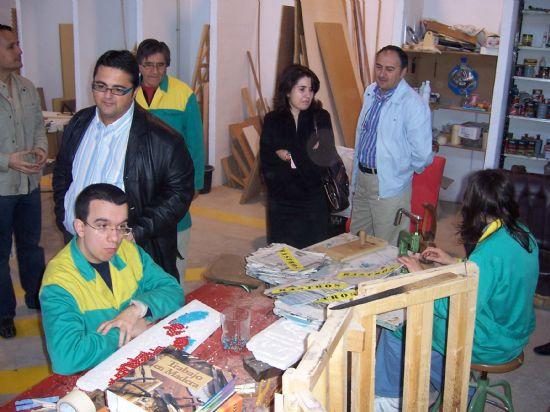 """EL CONSISTORIO Y LA UNIVERSIDAD DE CASTILLA-LA MANCHA SUSCRIBIRÁN UN CONVENIO PARA FACILITAR A LOS ESTUDIANTES DE LA DIPLOMATURA DE TERAPIA OCUPACIONAL REALIZAR PRÁCTICAS EN EL CENTRO OCUPACIONAL """"JOSÉ MOYÁ"""" DE LA LOCALIDAD (2008), Foto 1"""